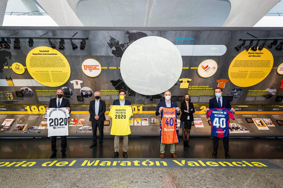 Valencia CF, Villarreal CF, Valencia Basket y Levante UD, en el acto de apoyo al Marato?n Valencia