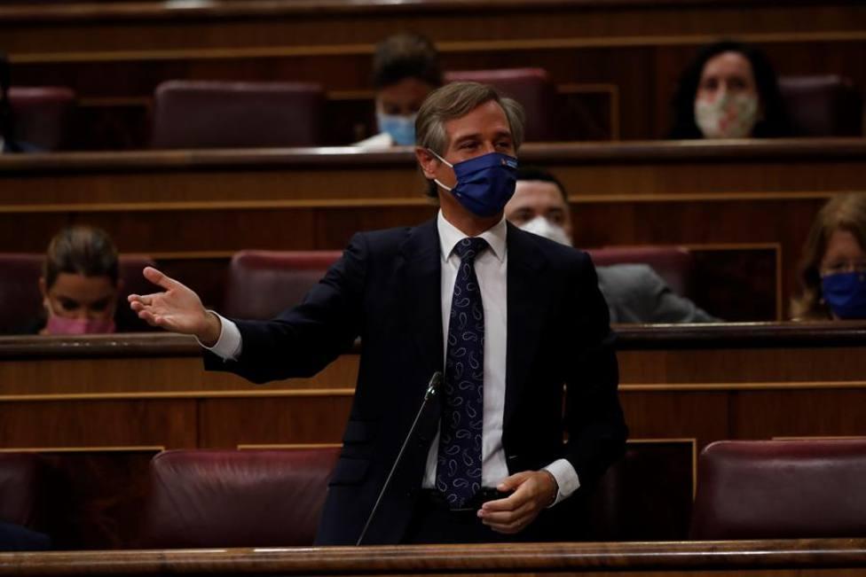 El PP urge al Gobierno a explicar el reparto de vacunas y acusa a Illa de dar el doble a Cataluña que a Madrid