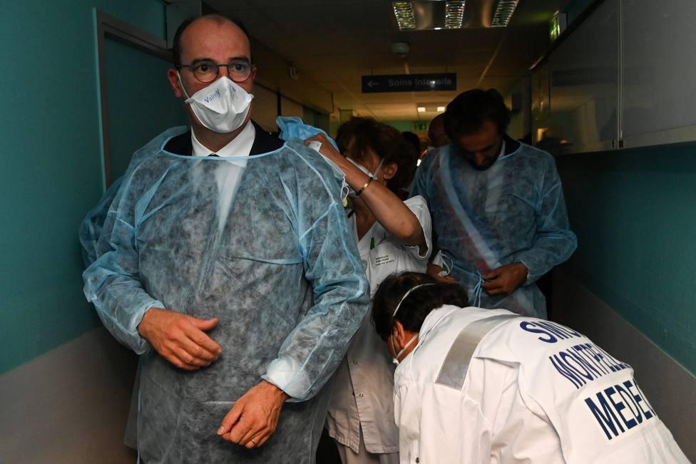 Francia notifica un aumento en la ocupación de las UCI con 5.916 pacientes en reanimación