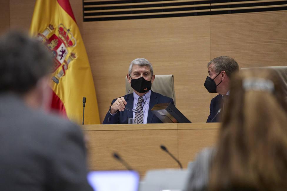 El Parlamento pide, con los votos de PP y Vox y la abstención del PSOE, recuperar los toros en directo en TVE
