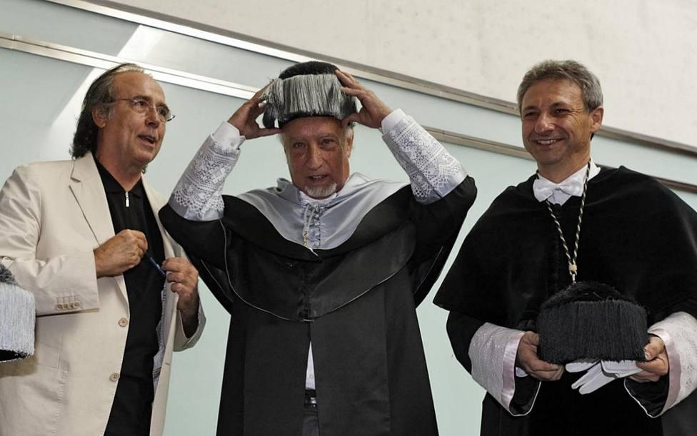 ctv-jsb-joan-manuel-serrat-manuel-vicent-i-francisco-toledo-rector-de-la-uji---7doctubre-de-2009