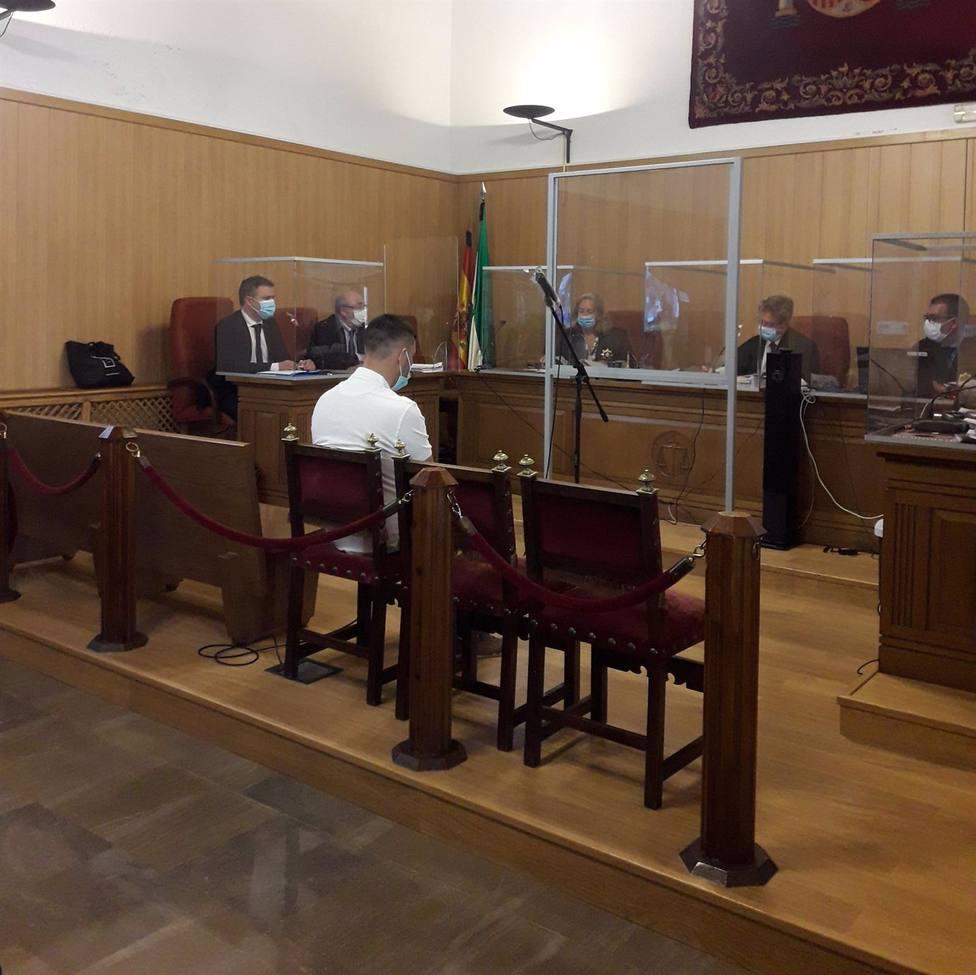 Granada.-Tribunales.-Acusado de asestar 15 puñaladas a su ex pide perdón por la barbaridad que cometió: No era yo