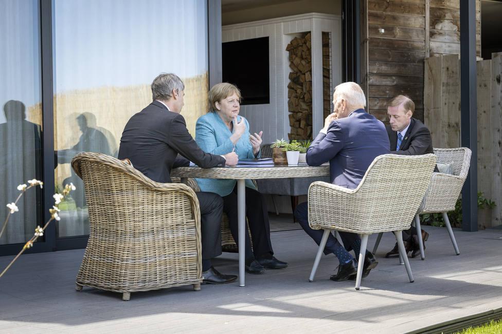Merkel y Biden mantienen su primer encuentro bilateral en persona durante la cumbre del G7