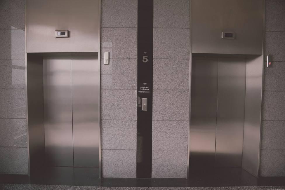 ctv-i9q-elevator-939515 1920