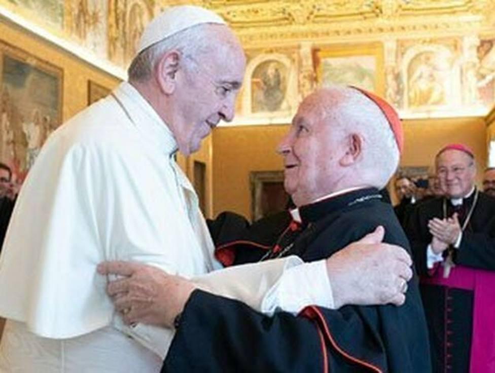 ctv-zxw-el-papa-francisco-con-el-cardenal-caizares