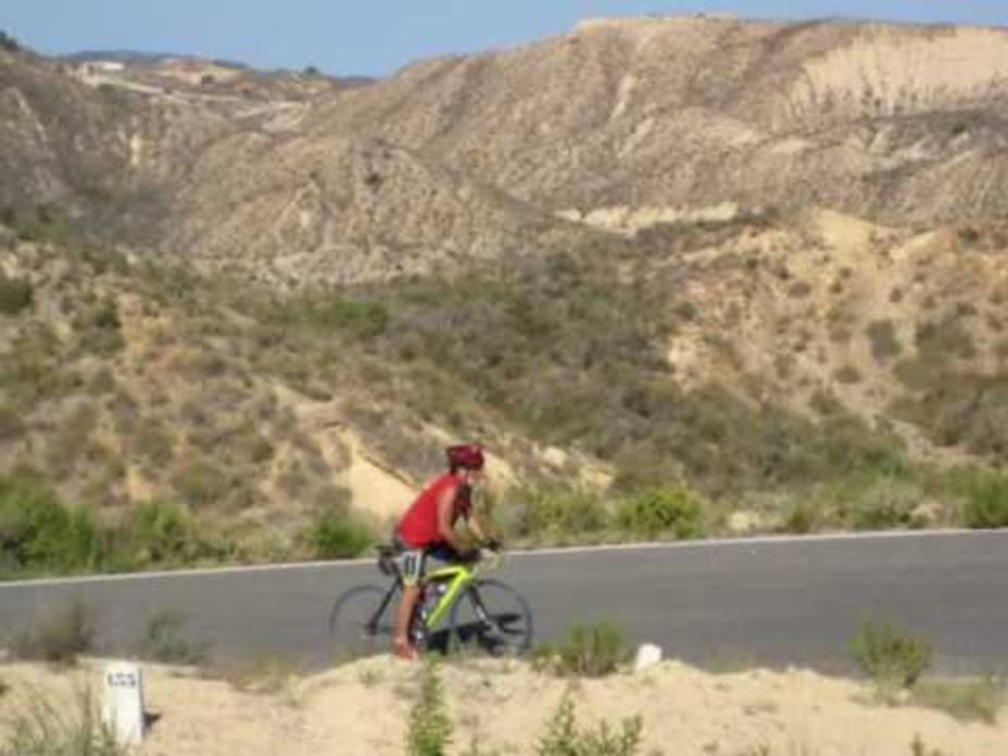 Fomento acondiciona un tramo de la carretera del Cabezo de la Plata por la que pasará la Vuelta a Murcia