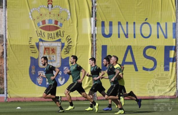 La UD Las Palmas prepara el partido del domingo.