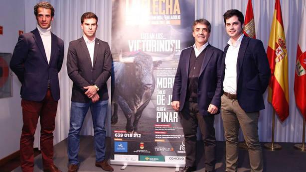 Morenito de Aranda, Rubén Pinar, Victorino Martín y Nacho de la Viuda en la presentación del cartel
