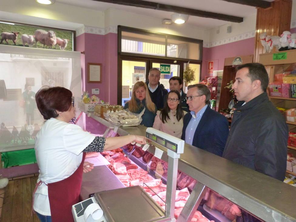 El candidato del PP al Congreso y otros miembros del partido han visitado hoy Andorra