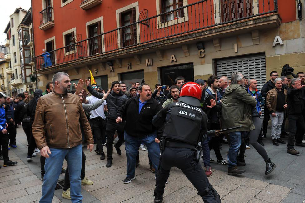 Fiscalía abre diligencias por los insultos y amenazadas recibidos por Ciudadanos en un mitin en Rentería (Guipúzcoa)