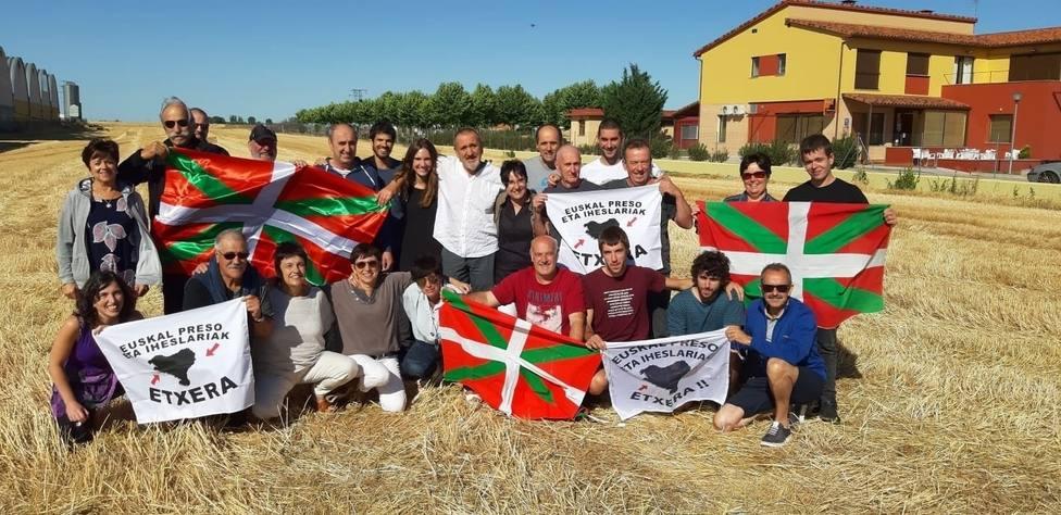 El Colectivo de Víctimas del Terrorismo denuncia que Errenteria está lleno de carteles por los presos de ETA