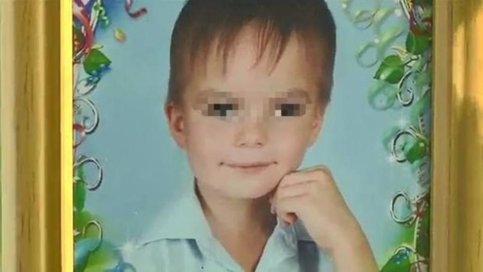 Un niño de 8 años se tira desde un noveno tras años de golpes y gritos de sus padres