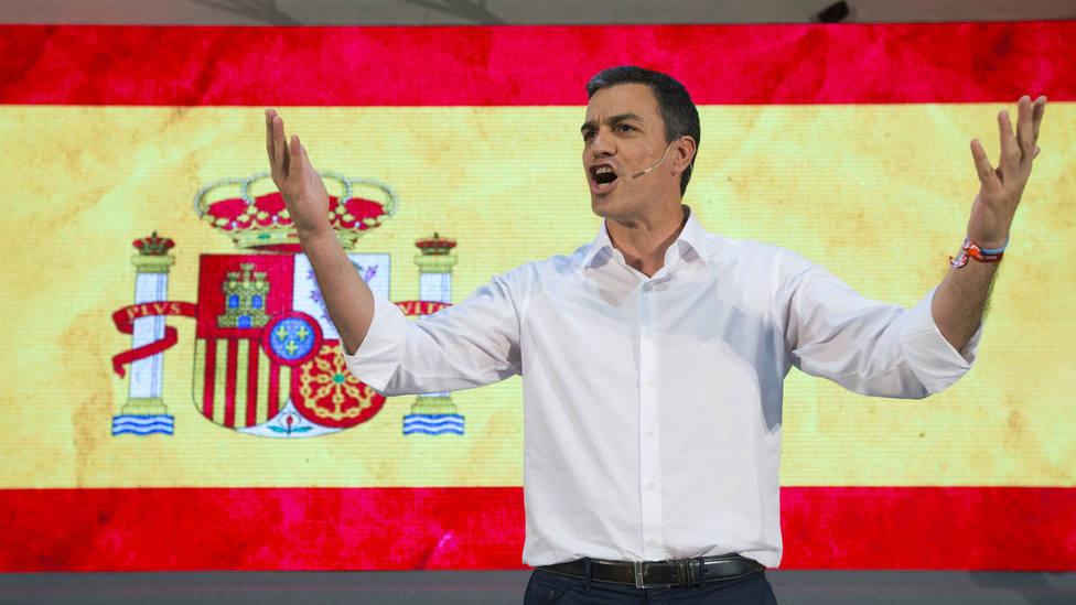 ctv-4xc-el-psoe-compite-con-podemos-en-las-urnas-y-en-el-uso-de-la-bandera-de-espana
