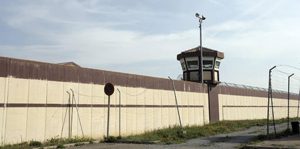 Los funcionarios de la prisión de Logroño siguen sin poder hacerse las pruebas del COVID-19