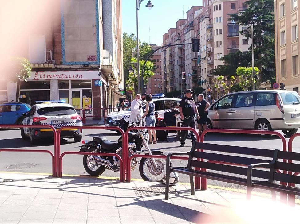 Un motorista trasladado al San Pedro tras colisionar con un coche en Logroño