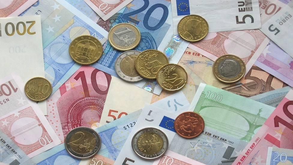 La Policía Local de Logroño devuelve a su propietario 900 euros hallados en la vía pública por una comerciante