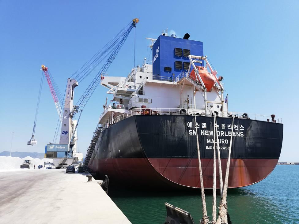 Mayor carga en la historia del Puerto de Castellón