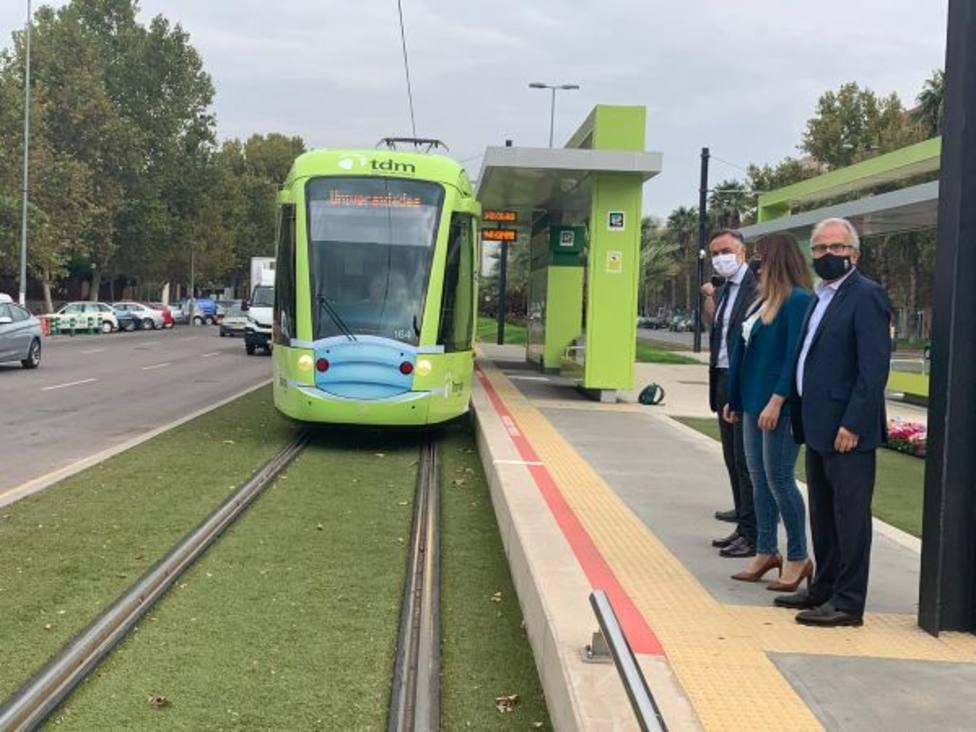 El tranvía se pone la mascarilla para reivindicar que el transporte público es seguro