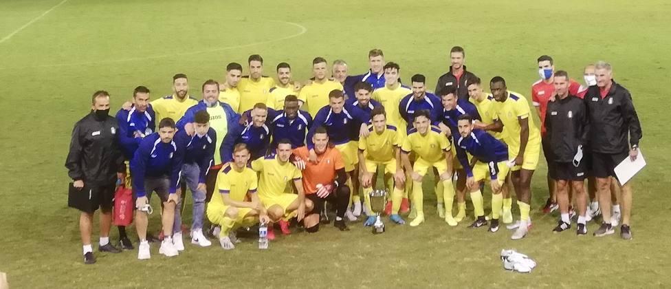 El CF Lorca Deportiva se lleva la VI edición del Trofeo Manny Pelegrín