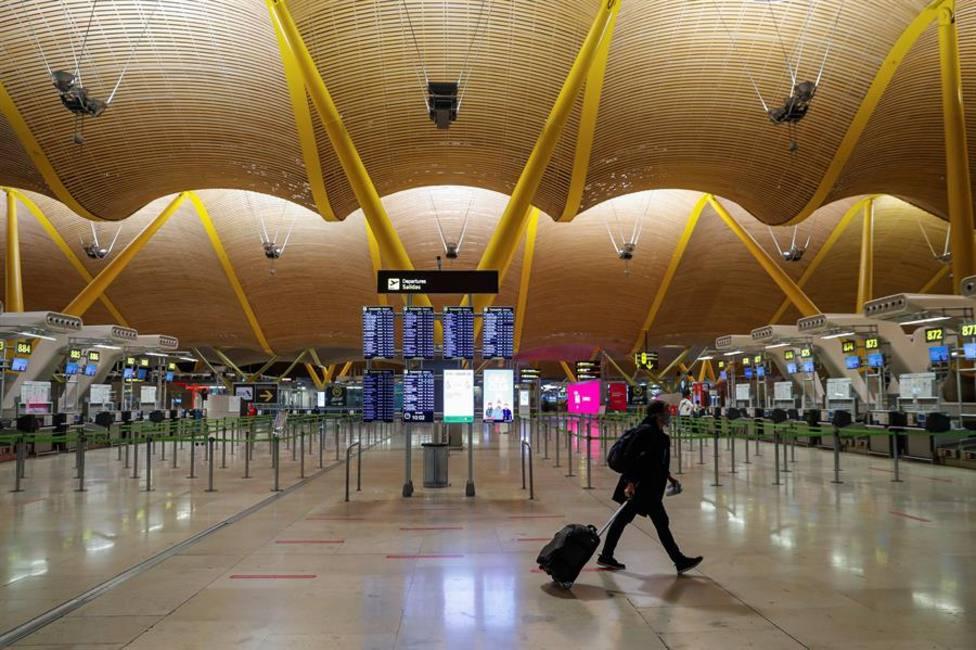 Claro ejemplo de la falta de turismo es el tránsito en los aeropuertos como el madrileño de Barajas