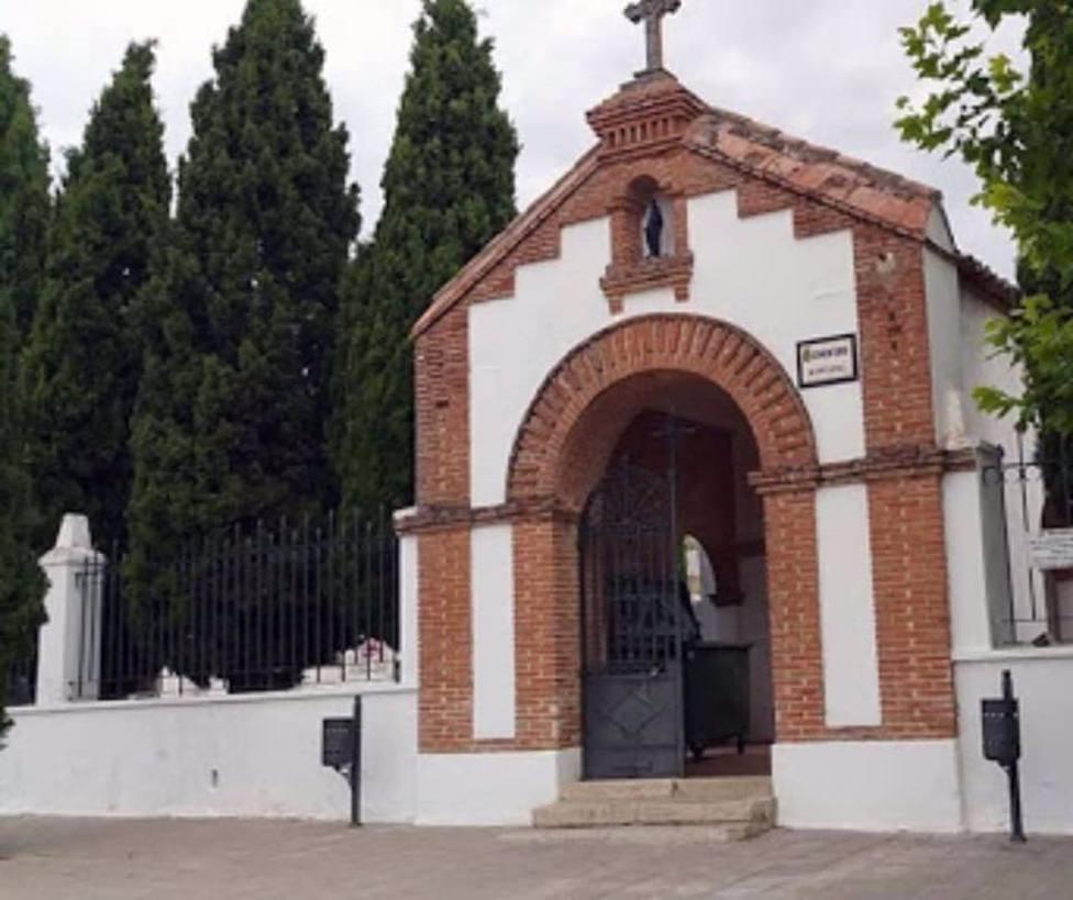Sucesos.- Asaltan el cementerio de Cabanillas del Campo y roban cruces y ornamentos de varias lápidas