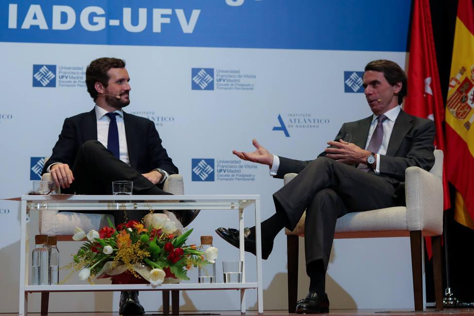 Aznar conversa este martes con Casado en un acto tras admitir que el PP no está en su mejor momento
