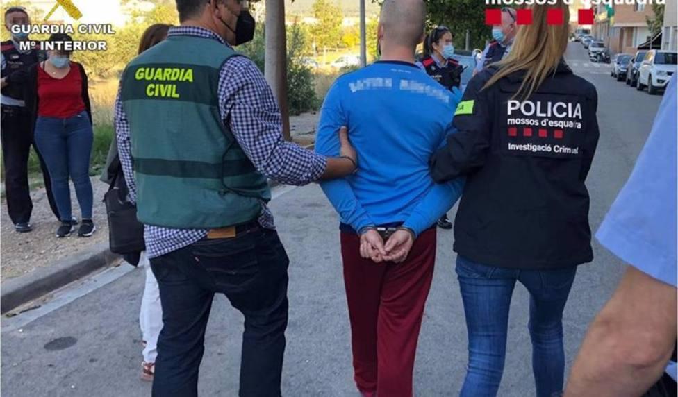 La Guardia Civil desarticula en Alicante una banda especializada en alunizajes y butrones
