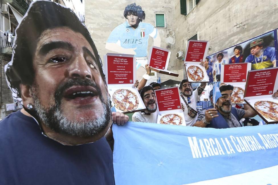 Protestas con máscaras de Maradona