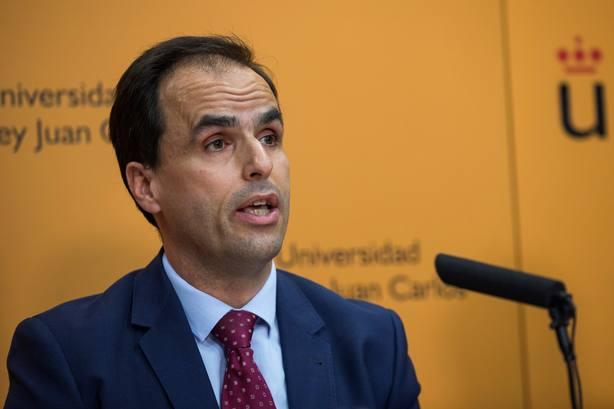 El rector de la URJC asegura que es falso que manipulara alguna documentación