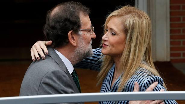 Cifuentes hace recaer en Rajoy la responsabilidad de su posible adiós