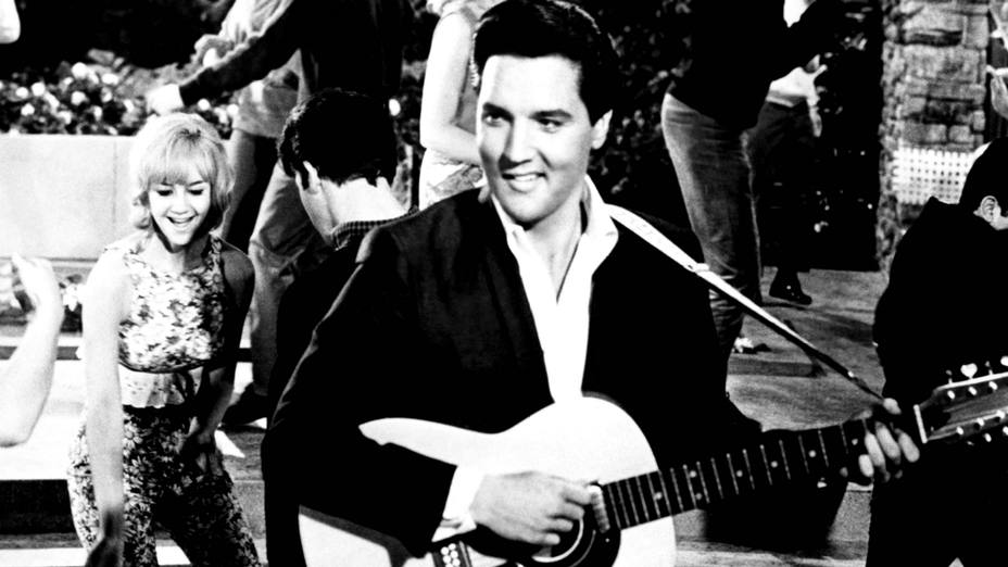 Elvis Presley en una de sus actuaciones