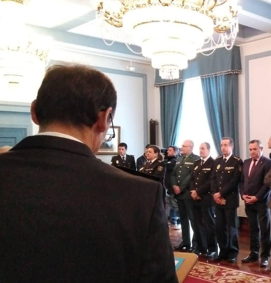 """Los sindicatos policiales expresan su """"indignación"""" al quedarse Lugo sin nuevas plazas"""