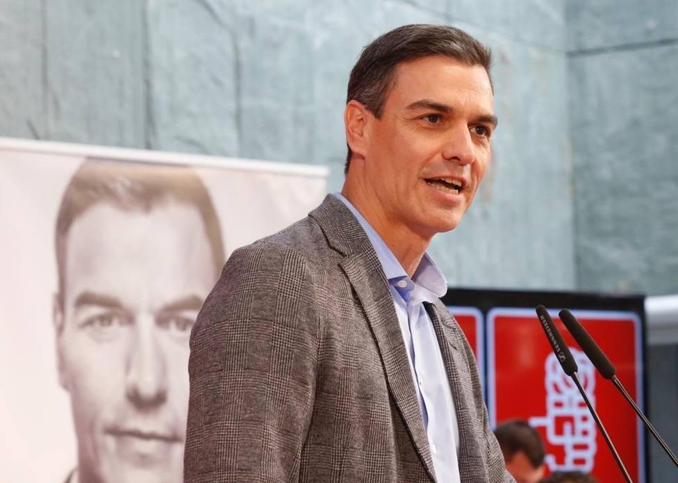 Sánchez no renuncia al impuesto a la banca para financiar las pensiones, pero remite al Pacto de Toledo