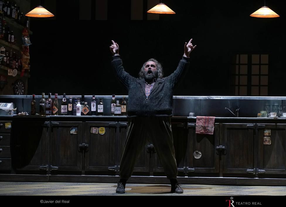 Falstaff despierta la compasión y la risa del Teatro Real en un estreno recibido con entusiasmo