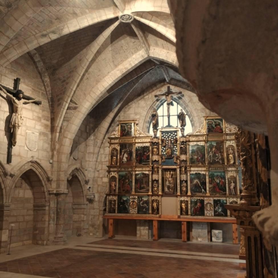 Archivo del Retablo tras la ampliación en la inglesia de San Estéban.