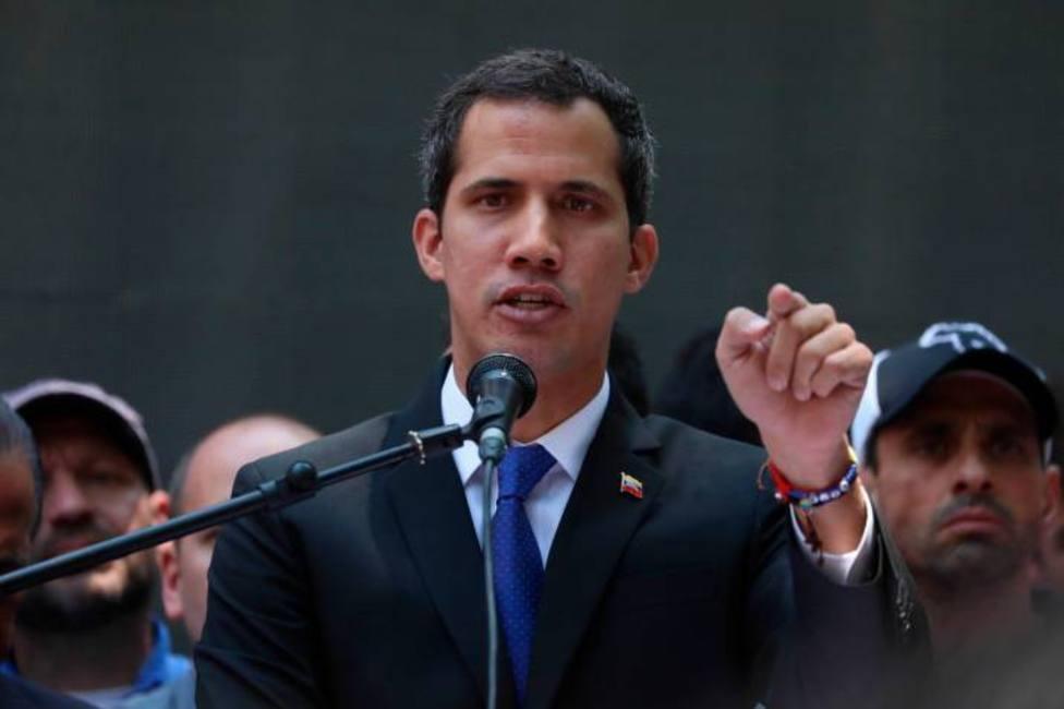 Guaidó exige a las Fuerza Armadas que presionen a Maduro para salir de la crisis