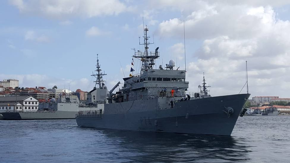 El patrullero Atalaya zarpando del Arsenal Militar de Ferrol - FOTO: Armada