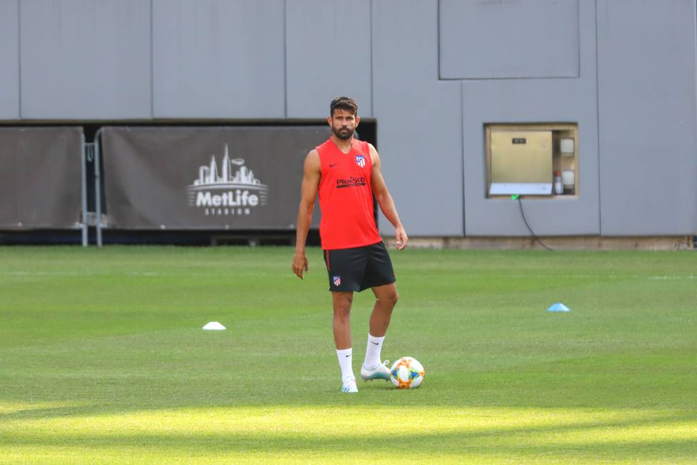 25 July 2019, US, East Rutherford: Atletico Madrids Diego Costa takes part in a training session at MetLife Stadium ahead of Saturdays 2019 International Champions Cup soccer match against Real Madrid. Photo: William Volcov/ZUMA Wire/dpa