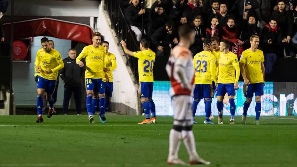 El Cádiz celebra el gol marcado en Vallecas (@LaLiga)