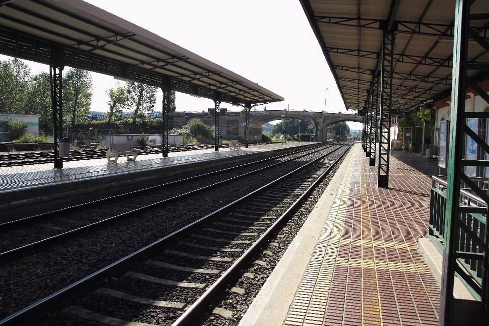 """La Xunta afirma que el Gobierno está """"desmantelando el tren"""" en la provincia de Lugo"""