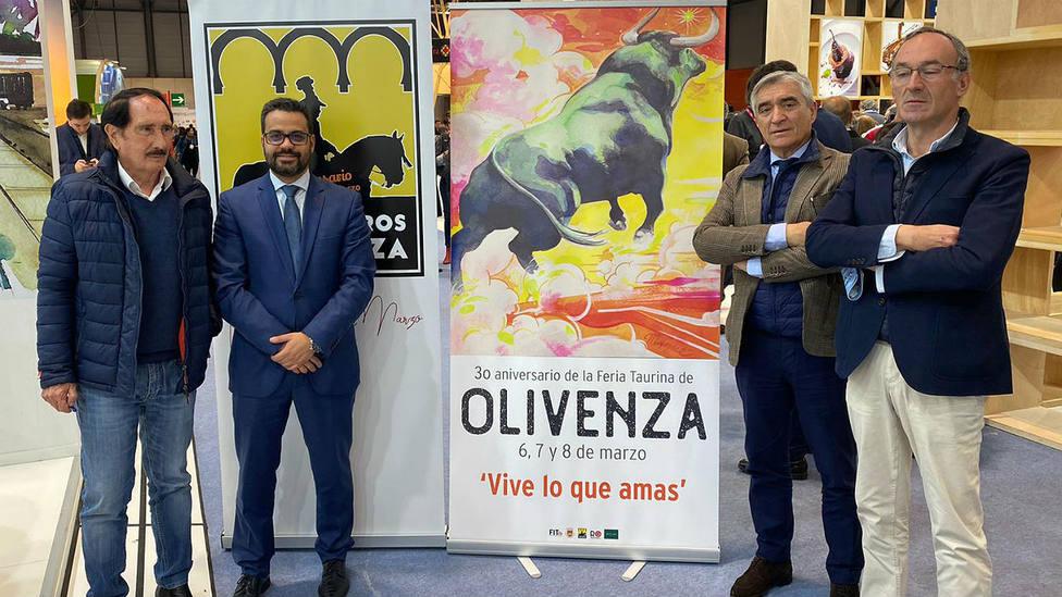 Presentación en FITIR del cartel anunciador de la Feria de Olivenza 2020