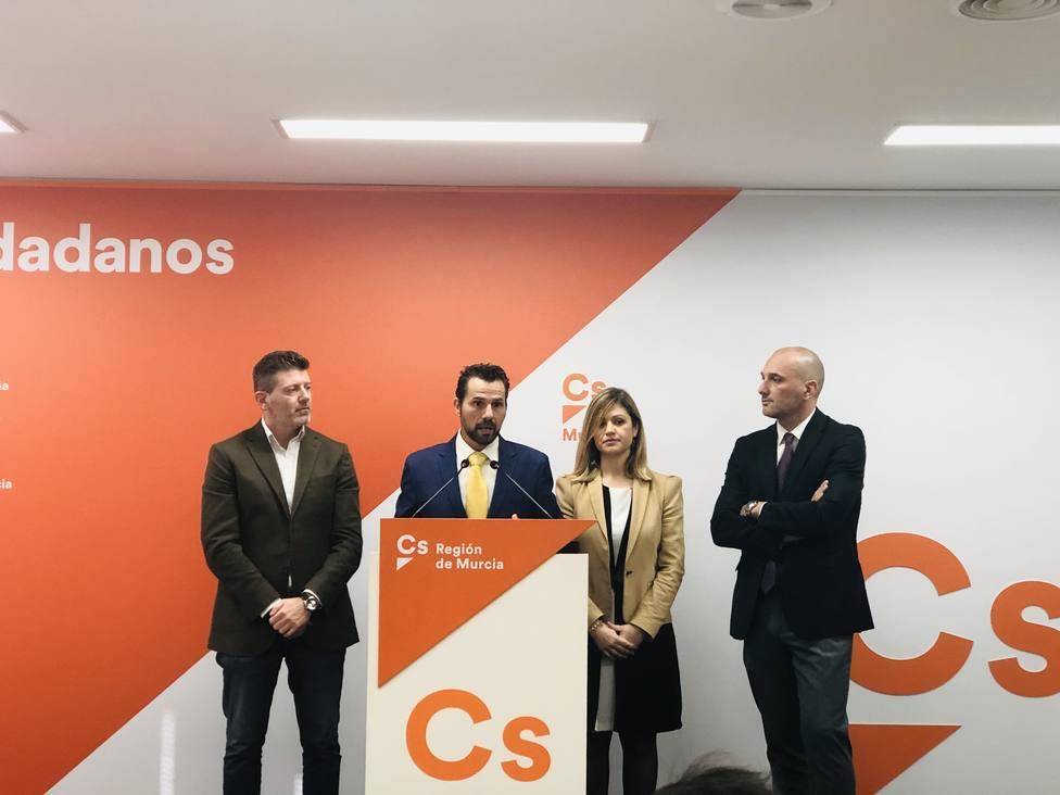 Cs Murcia avisa que la coalición de gobierno con el PP falla mucho y dice que no son la charanga de la comparsa