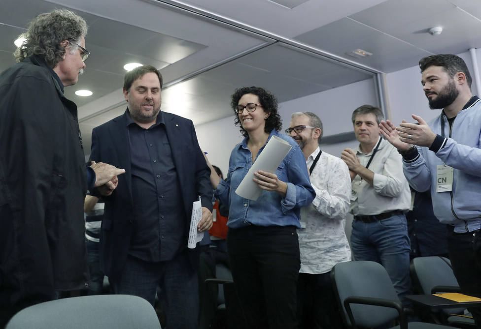 Junqueras y Rovira dicen que el 50% de los votos no basta para la independencia y no renuncian a la unilateral