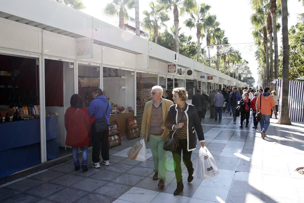 Sí habrá mercadillo navideño en Almería, pero en dos ubicaciones distintas