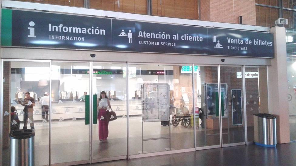 Adif remodela las taquillas de la estación de Córdoba para habilitar espacio para nuevos operadores
