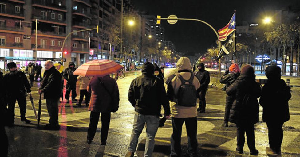 Independentistas cortan la Meridiana