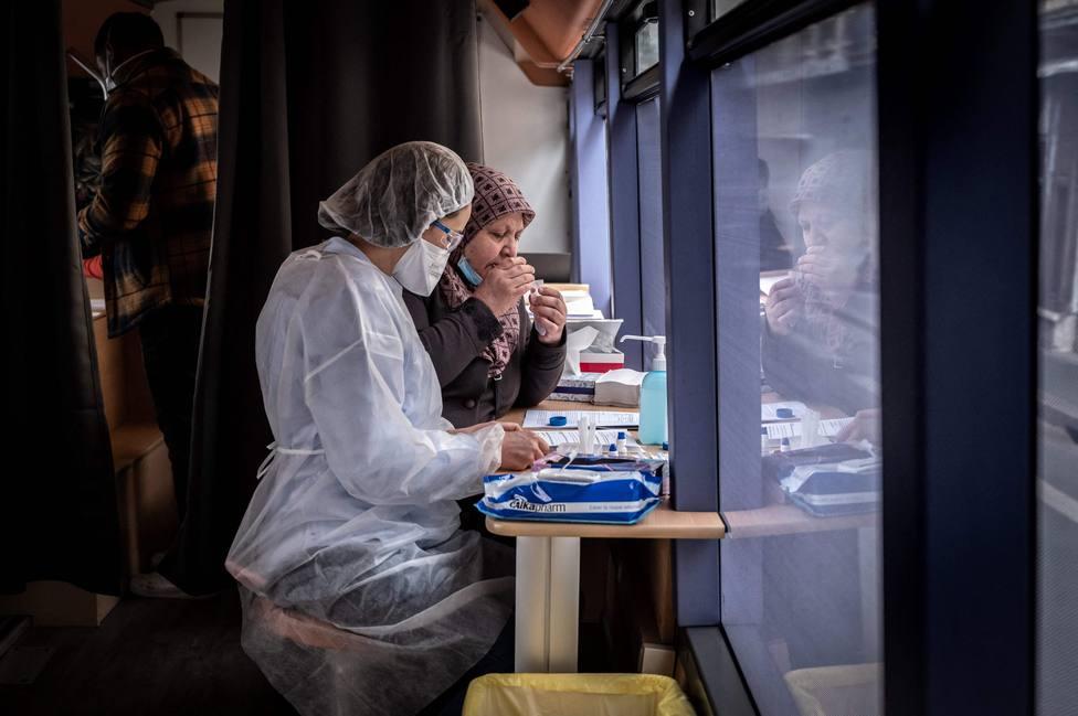 Francia registra 293 muertos por la covid-19 y 25.279 contagios