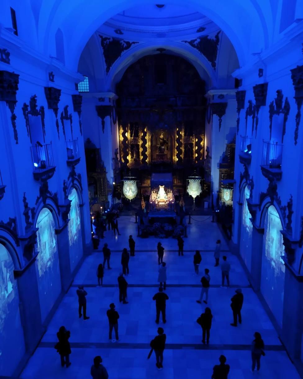 El Paso Azul recibe la visita de 11.000 personas en la iglesia de San Francisco esta Semana Santa