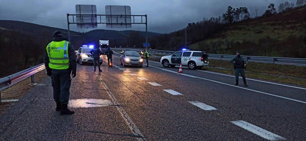 La Guardia Civil montó un control de carretera en la AG-64 a su paso por Vilalba