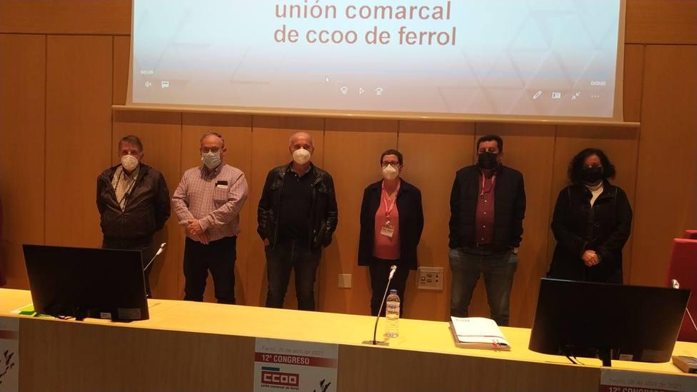 José Hurtado, segundo por la izquierda, con los integrantes de su ejecutiva - FOTO: CCOO